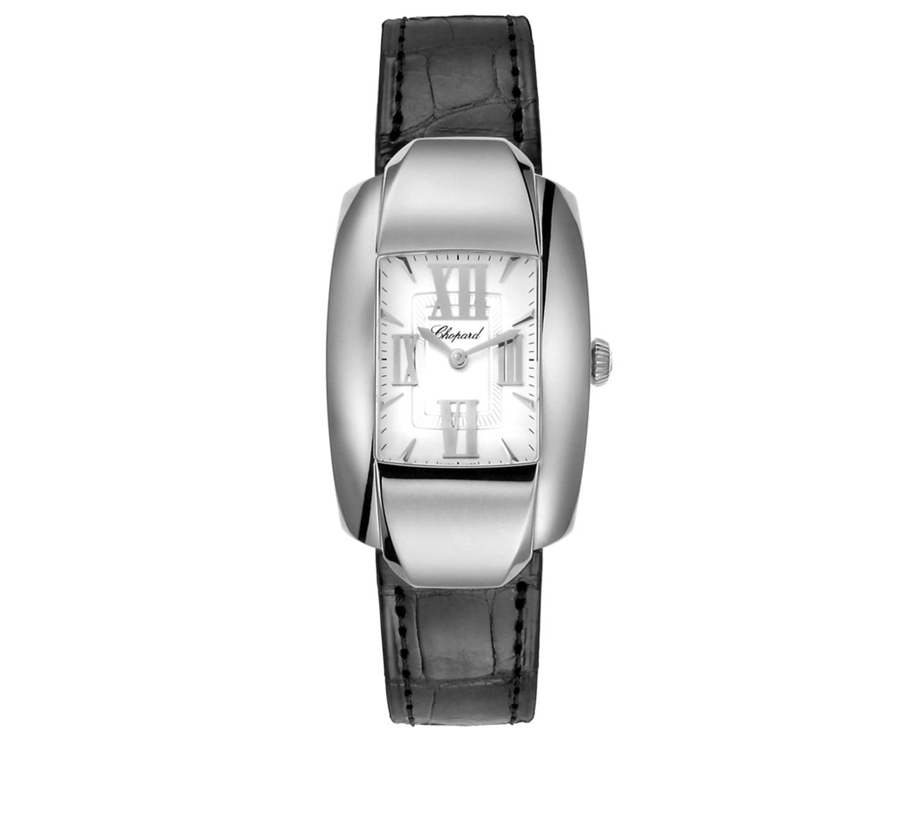 Оригинальные часы можно носить как на руке, прикрепив к ним кожаный ремешок, так и в кармане.